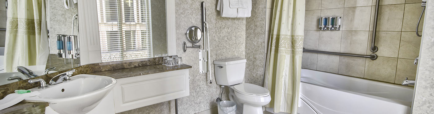 Adapted old quebec signature suite with whirlpool bath and for Royal whirlpool baths