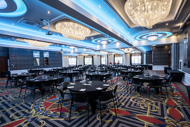 Hotel Plaza Québec's ballroom (by JARO Hotels of Quebec City)