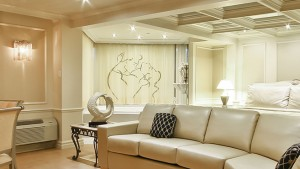 Suite Nuptiale avec grand lit, bain tourbillon, grand balcon double
