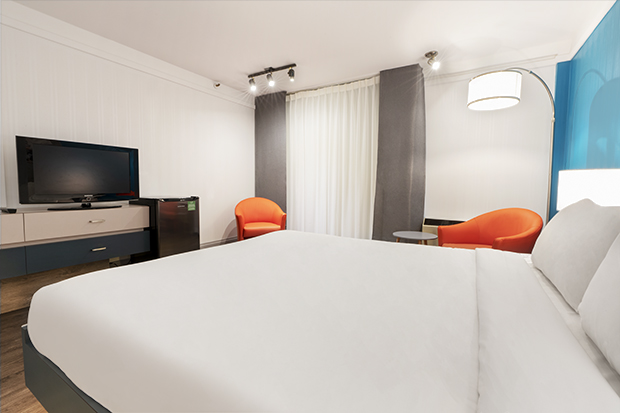 Econo-Traditional Room with Double Bed and Garden View Terrace (#6) of Hotel Québec Inn by JARO Hotels of Quebec City