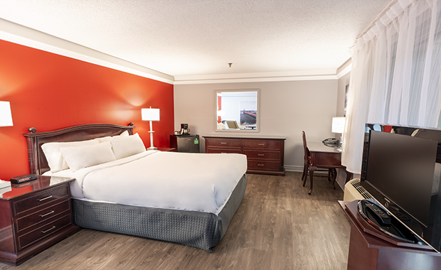 Traditional Room with Queen Bed (#8) at Hotel Québec Inn by JARO Hotels of Quebec City