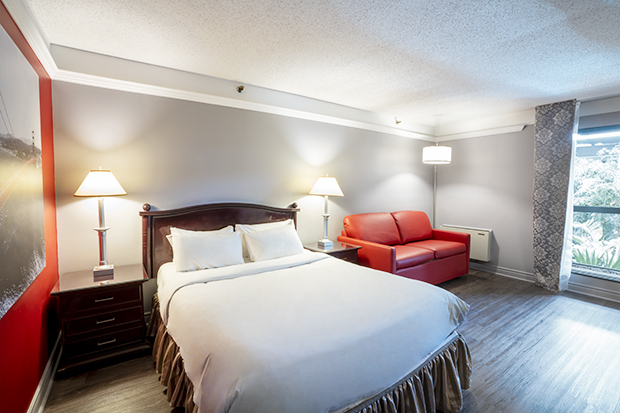 Traditional Room with Queen Bed and Garden View Balcony (#9) - BQ - at Hotel Québec Inn by JARO Hotels of Quebec City
