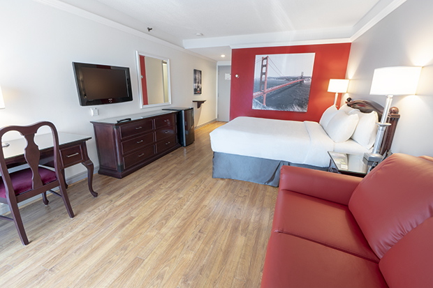 Traditional Room with Queen Bed and Sofa-Bed (#19) of Hotel Québec Inn by JARO Hotels